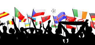 Fussball Fans mit Fahnen