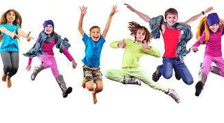 Kinder freuen sich auf die Bundesjugendspiele