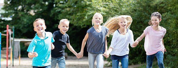 Kinder sind fröhlich
