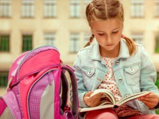 Mädchen will freiwillig das Schuljahr wiederholen