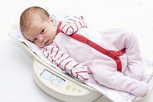 gewichtsentwicklung beim baby wie oft wiegen. Black Bedroom Furniture Sets. Home Design Ideas
