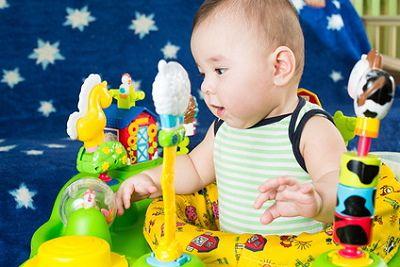 lauflernhilfe f r baby sinnvoll was beachten. Black Bedroom Furniture Sets. Home Design Ideas