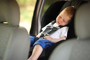 lange autofahrten mit kindern tipps f r die autofahrt. Black Bedroom Furniture Sets. Home Design Ideas